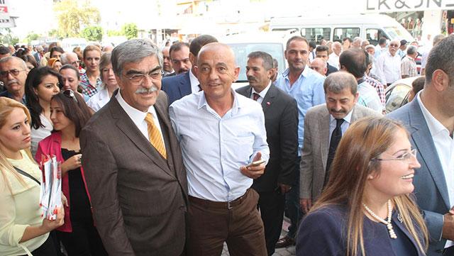 Ahrazoğlu 'Problemlerin çözümü MHP'dedir'