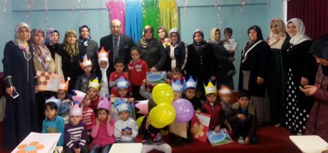 Kur'an Kursu öğrencilerinde karne ve taç giyme heyecanı yaşandı