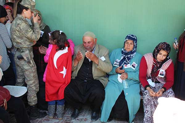şehidin-ailesi-dua