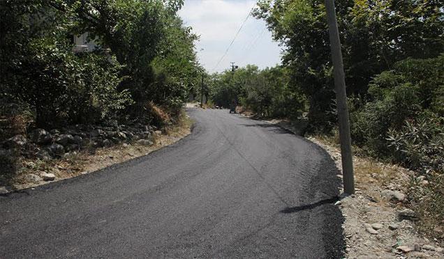Dörtyol Belediyesi asfaltta hız kesmiyor