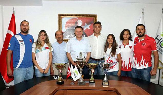 Başkan söz verdi, İskenderun'a Spor Kompleksi yapılacak