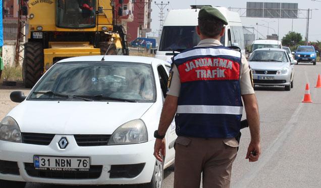 Hatay'da trafik denetimleri; 1 Haftada 88 kaza