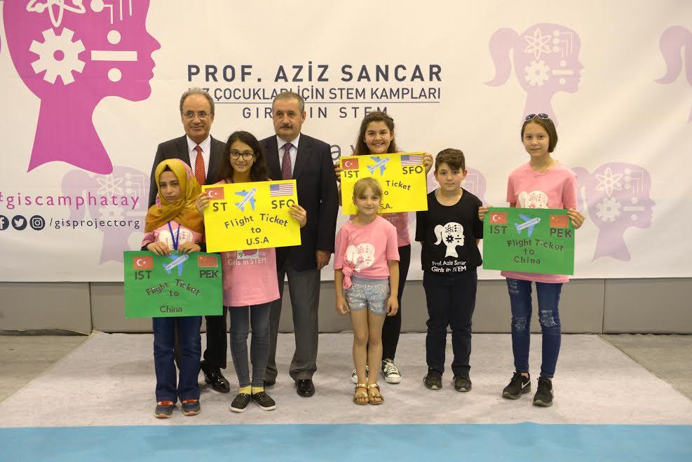 Prof. Aziz Sancar Kız Çocukları için Stem Kampları etkinliği