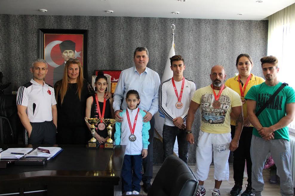 Sırbistan'da yapılacak 'Çocuk Fitness Dünya Şampiyonası'na Hataylı 2 Milli Sporcu katılacak