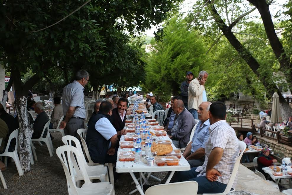 Kardeşlik Sofrası Samandağ'da kuruldu