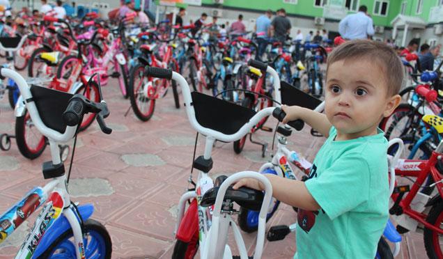Kırıkhan'da 80 yetime bisiklet dağıtıldı