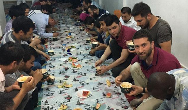 Hayad Derneğinden Doğu Türkistanlı Türklere iftar