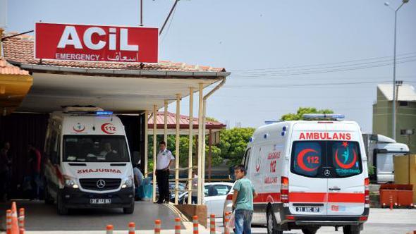 Suriye'deki çatışmalarda yaralanan 2 kişi Hatay'a getirildi