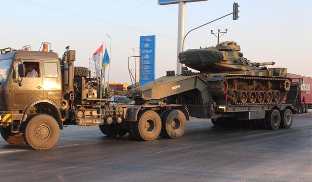 Hatay'da bulunan tanklar Suriye sınırına gönderildi