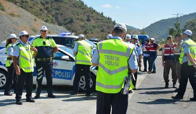 Hatay'da trafik denetimleri; 13 Bin 701 araç kontrol edildi