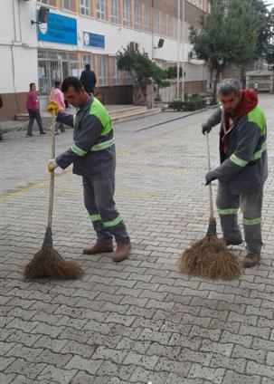 Defne belediyesi temizlik ekiplari çalışmalara devam ediyor