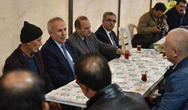 Vali Erdal Ata Şehit Şahin Elitaş'ın ailesine taziye ziyaretinde bulundu