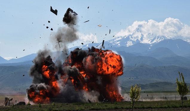 Afrin'de PYD/PKK'nın cephaneliği vuruldu