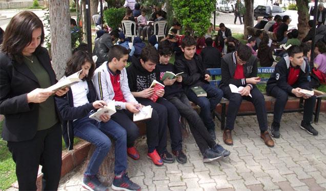 """Kırıkhan'da """"Kitap Okuma"""" etkinliği"""