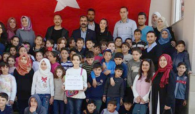 Suriyeli öğrencilerden Mehmetçiğe destek