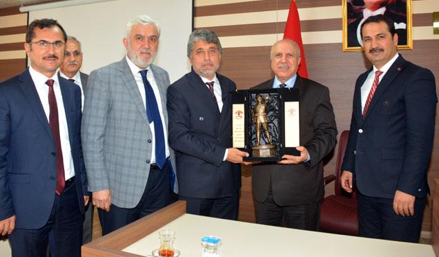 Ankara Birlik Vakfı üyelerinden Başkan Yavuz'a ziyaret