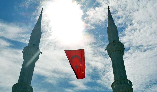 Altınözü Ravda Camii ibadete açıldı