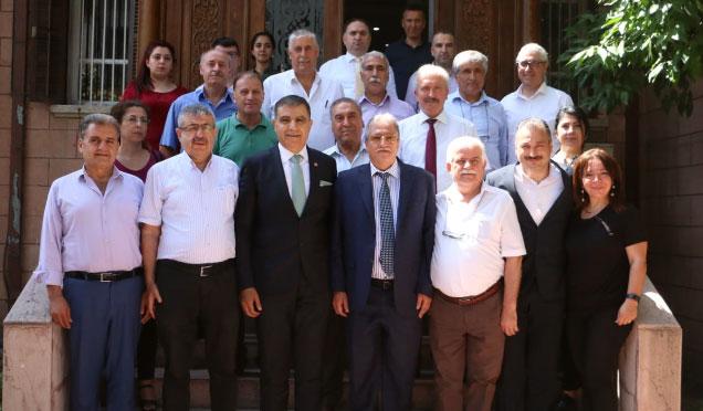 CHP Milletvekili Güzelmansur'un seçim çalışmaları sürüyor