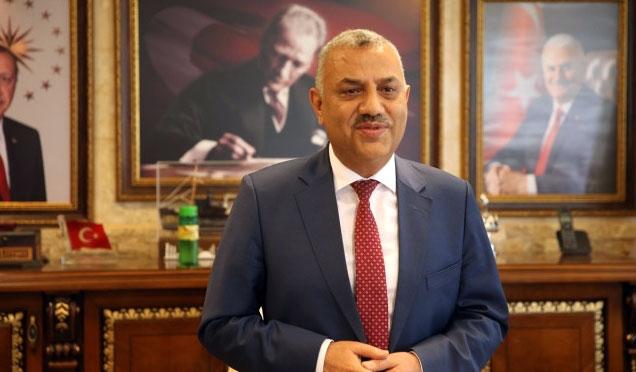 Reyhanlı Belediye Başkanı Şanverdi Milletvekilliği için görevinden istifa etti
