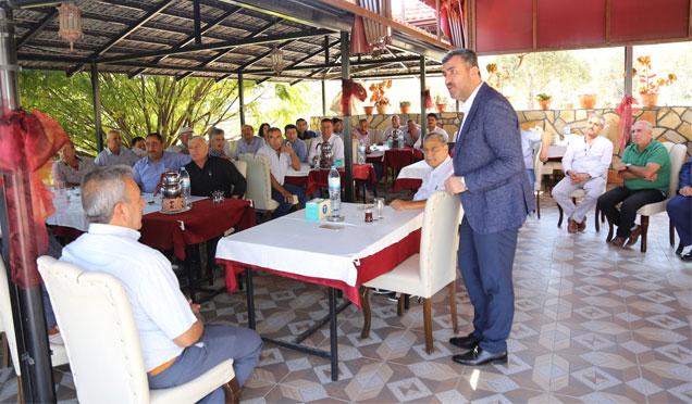 Payas Belediye Başkanı Altan Altınözü Muhtarlarıyla bir araya geldi
