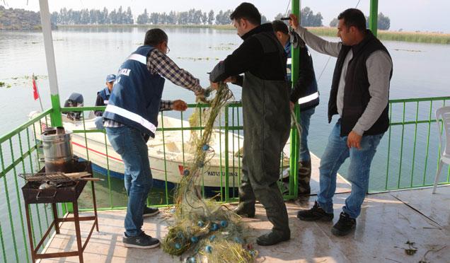 Kurutulan Amik Gölünün kaynağında temizlik