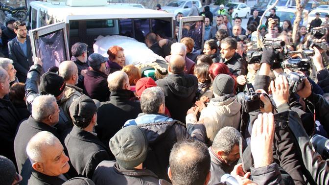 Ukrayna'da öldürülen Buket Yıldız Hatay'da toprağa verildi