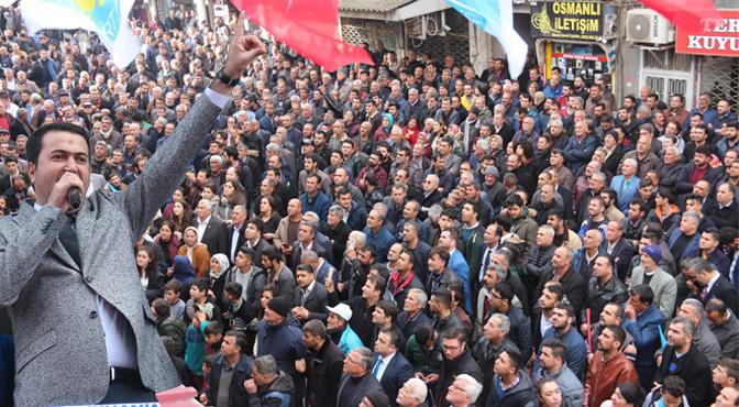 İYİ Parti Adayı Erhan Yavuzyılmaz'a coşkulu karşılama