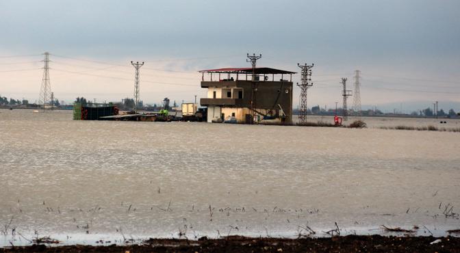 Amik Ovası'nda 200 bin dönüm alan sular altında