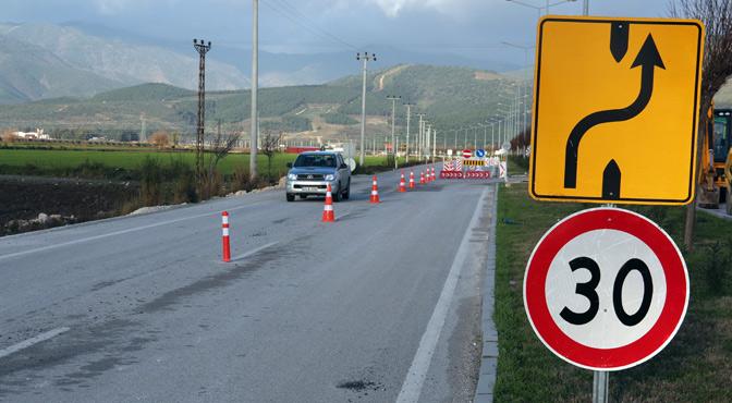 Hatay Havaalanı yolu trafiğe açıldı