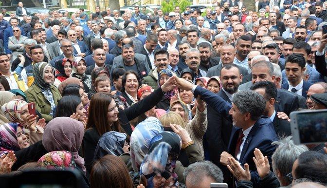 Başkan Yavuz Belediyeye dua ederek geçti VİDEO HABER