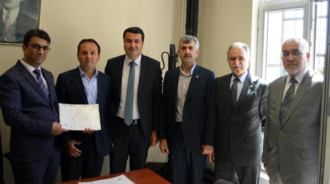 İYİ Parti Kırıkhan Belediye Meclis üyeleri Mazbatalarını aldı