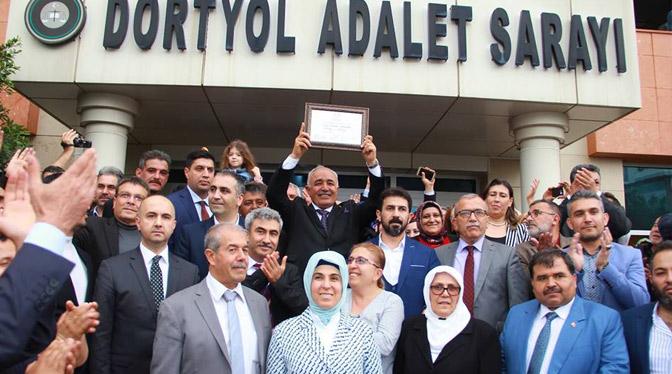 Dörtyol Belediye Başkanı Fadıl Keskin, Mazbatasını Aldı