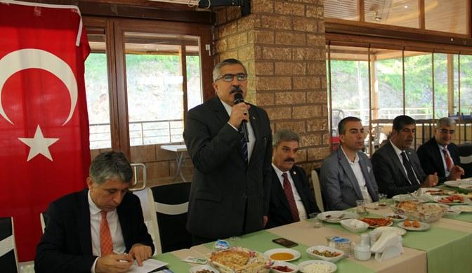 Milletvekili Yayman Kırıkhan'da yeni seçilen muhtarlarla bir araya geldi