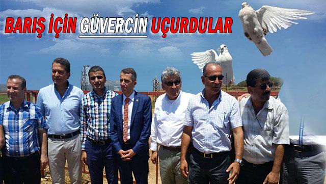 Barış için sınırda güvercin uçurdular