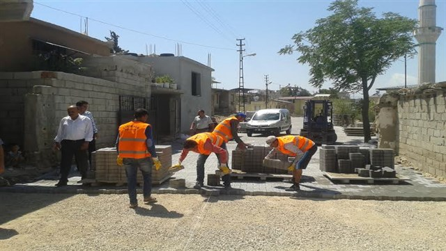 Kırıkhan Belediyesi'nin üst yapı çalışmaları sürüyor