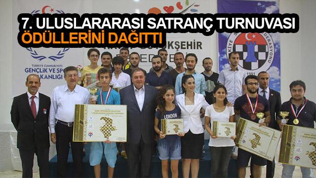 7. Uluslararası Satranç Turnuvası ödüllerini dağıttı