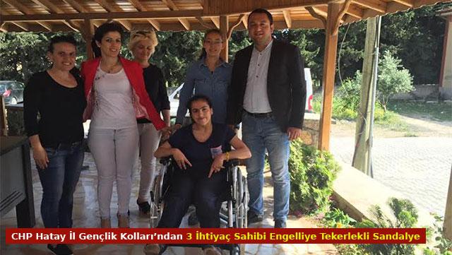 CHP Hatay İl Gençlik Kolları'ndan 3 ihtiyaç sahibi engelliye tekerlekli sandalye