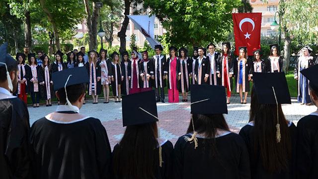 MKÜ Fakültelerinde mezuniyet heyecanı