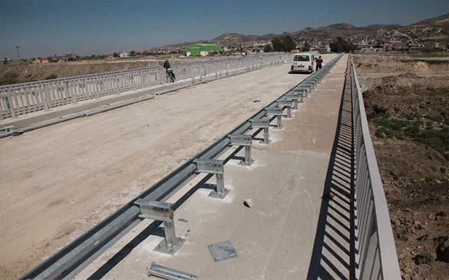 HBB Asi Nehri'ndeki dördüncü köprüyü hizmete sunmak için gün sayıyor