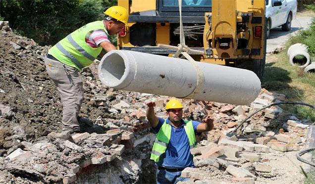 Alakent Mahallesi'nde kanalizasyon yenileme çalışması