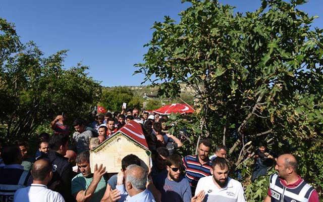 Darbe girişimini protesto eden Ahmet Kara toprağa verildi