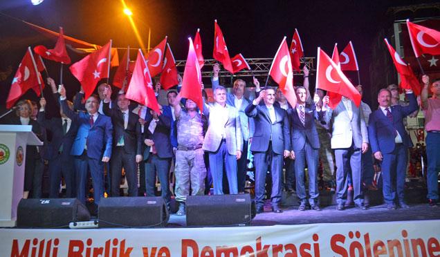 Kırıkhan Mustafa Yıldızdoğan ve Sultanbekov ile Demokrasi nöbetine devam etti
