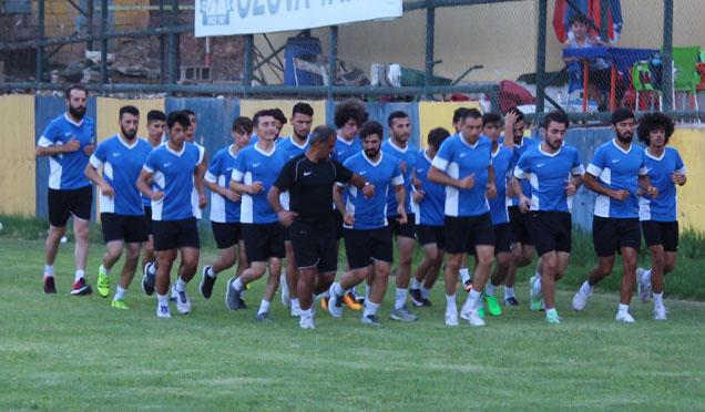 İş Adamlarından Kırıkhanspor'a maddi destek