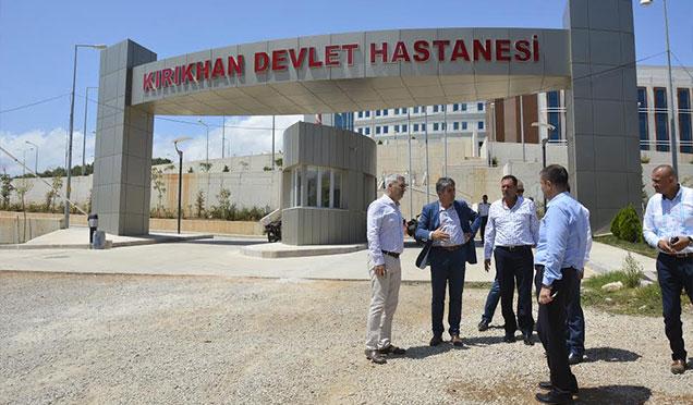 Başkan Yavuz yeni Kırıkhan Devlet Hastanesi'nde incelemelerde bulundu