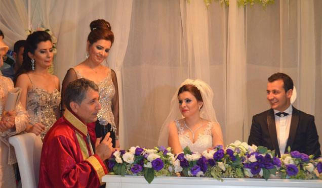 Başkan kendi kızının nikahını kıydı