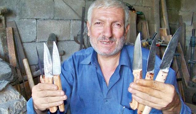 Kurban Bayramı için gece gündüz bıçak yapıyorlar