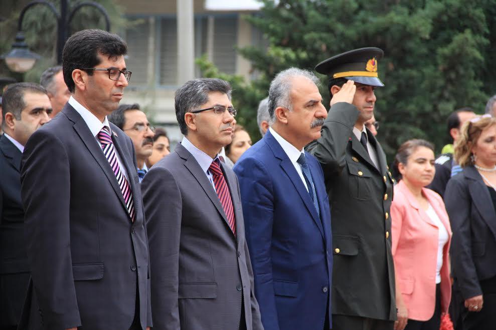 29 Ekim Cumhuriyet Bayramı çelenk sunma töreni Samandağ'da gerçekleşti