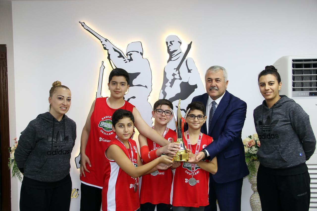 Dörtyollu minik Basketbolcular Başkentte