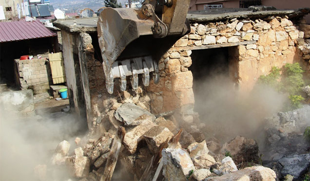 Huzur için metruk yapılar yıkılıyor