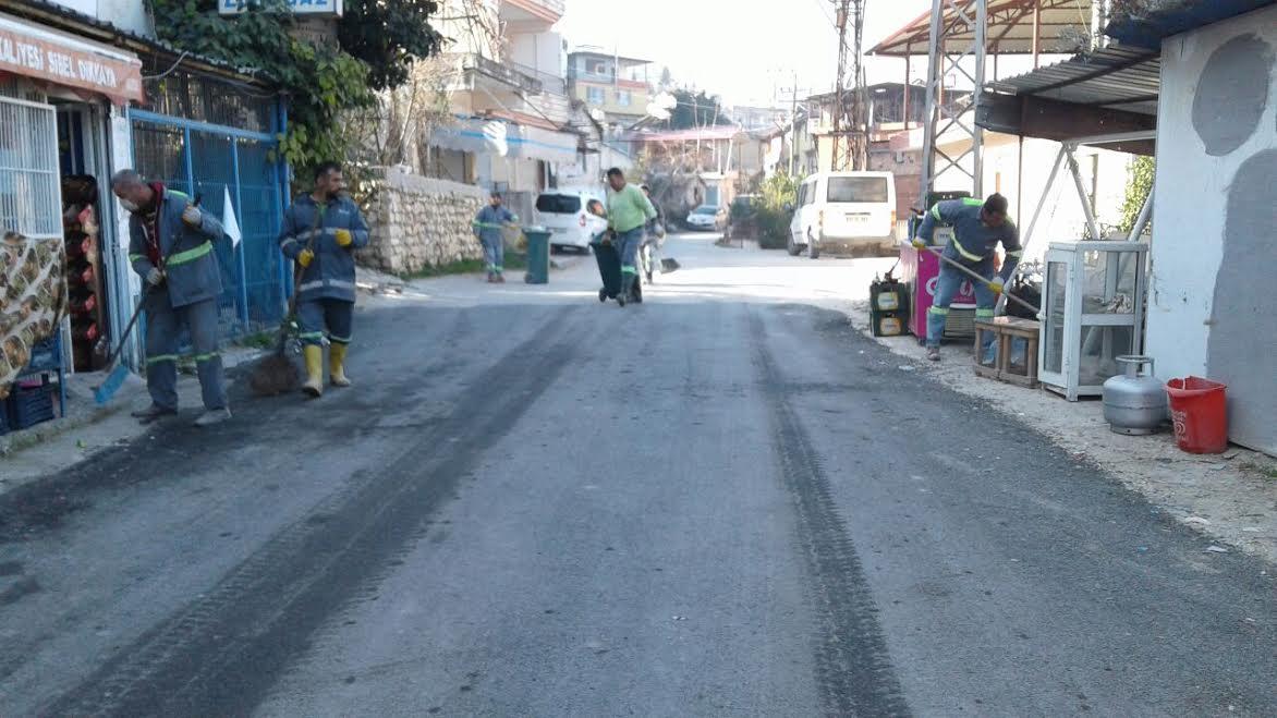 Defne Belediyesi Defne sokaklarında bahar temizliğine başladı